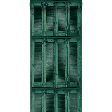 behang verweerde houten Franse vintage louvre luiken smaragdgroen van ESTA home