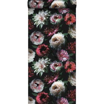behang bloemen roze, zwart en donkergroen van ESTA home