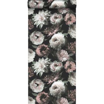 behang bloemen zwart, wit en zacht roze van ESTA home