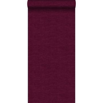 behang effen linnenstructuur bordeaux rood van ESTA home