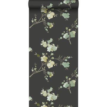 eco texture vlies behang kersenbloesems groen, okergeel en zwart van ESTA home