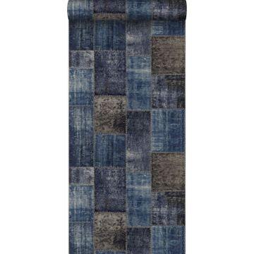 behang kelim patchwork taupe en blauw van Origin