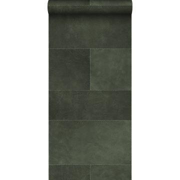 vlies wallpaper XXL tegelmotief met leer look donkergroen van Origin
