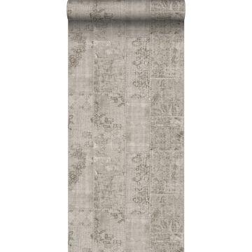 behang kelim patchwork taupe grijs van Sanders & Sanders
